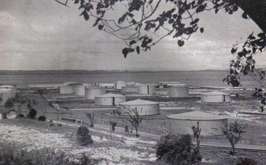 Kilang minyak BPM (Bataafsche Petroleum Maatschappij)1930 sekarang Pertamina