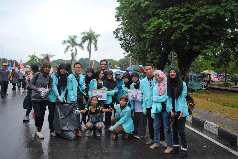 IKUT PEDULI : Tim BalikpapanTL aktif di kegiatan sosial maupun pergerakan komunitas.