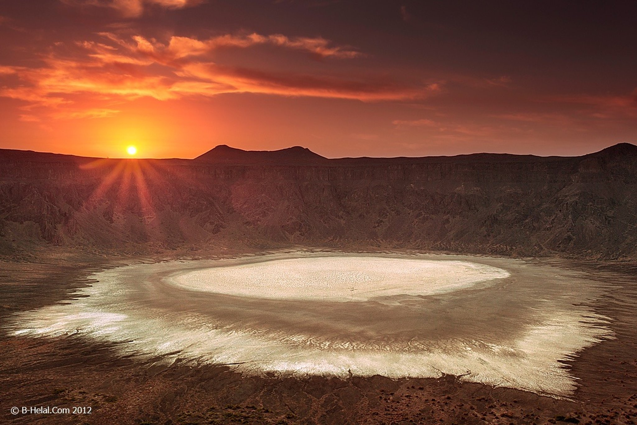 UNIK: Al-Wahbah, kawah gunung di tengah padang pasir.