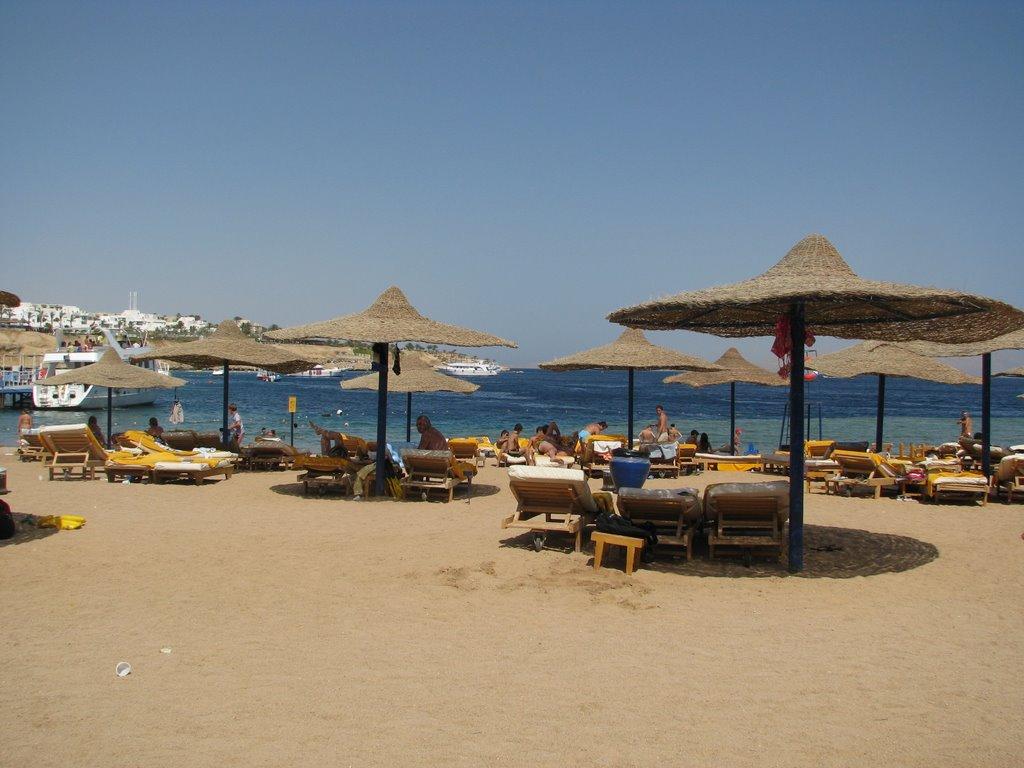 Pantai Shark Bay.