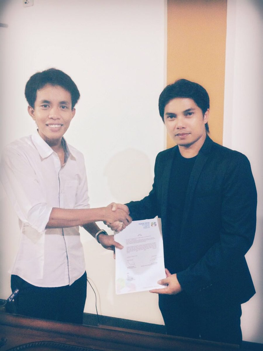 TURUT BERGABUNG: Mantan finalis Wirausaha Muda Mandiri Filsa Budi Ambia turut menandatangani MoU kerjasama dengan Preneur Station.